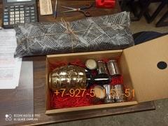 010 Коробка картонная под подарок в ассортименте