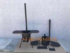 Печь № 0837-3мм. под казан 6,8л. с полками, с трубой и дверцей, со съемными ногами и полкой под дрова