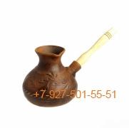 ПГ-500/295386 Турка красная глина 500мл с деревянной ручкой резная